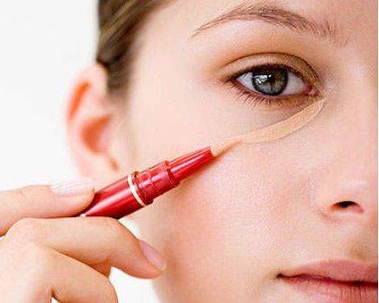 Makeup Hacks for Oily Skin